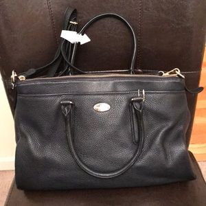 Coach leather purse with crossbody.